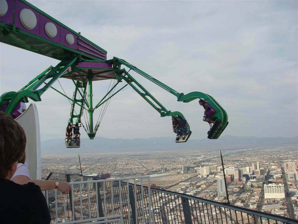 Displaying 19> Images For - Stratosphere Rides Insanity...